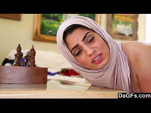 Dagfs - Arabic Chick Nadia Ali Tastes White Cock