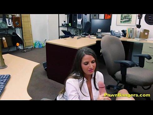 Cliente Toda Sexy E Com A Buceta Raspada Fode Por Uma Grana Extra