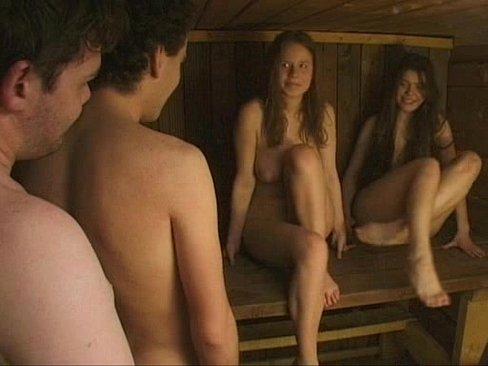 Девушки моются в деревенской бане видео 4 фотография