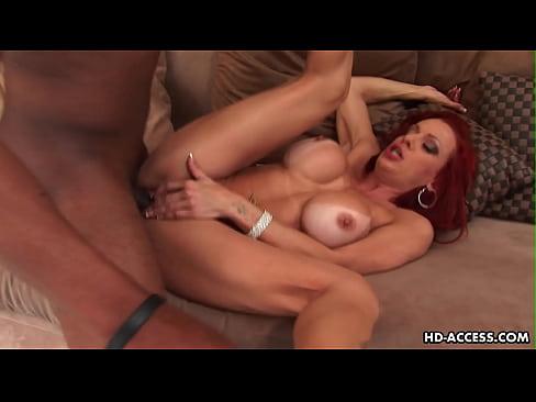 Videos de Sexo Porno ruiva malhada dando o toba pro negão