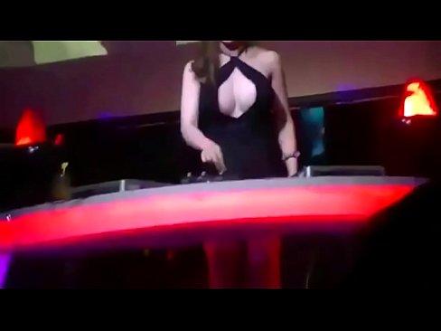 DJ Candy Ha Sexy Quẩy – Nonstop Nhạc Sàn Cực Mạnh 2015 Remix