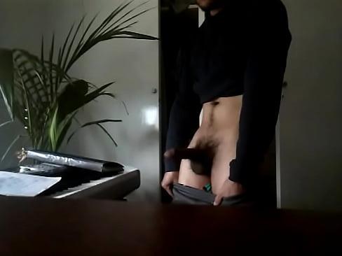 Bisexual en su habitacion en La Plata