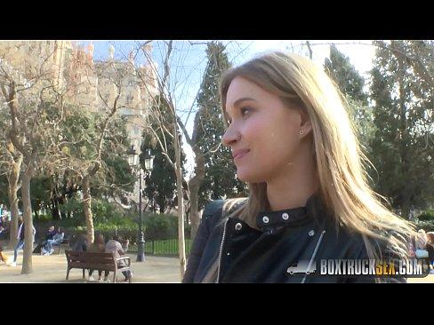 Xxx Filme Porno Tanara Agatata In Parc
