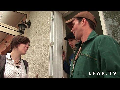 Estudante Francesa Mete Com Dois Operários Ao Mesmo Tempo – Novinha Em Suruba