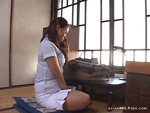 【村上涼子】四十路ムチムチ美熟女がテレホンセックスしてます♪パンティー...