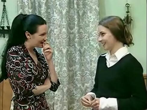Русская мама и дочь