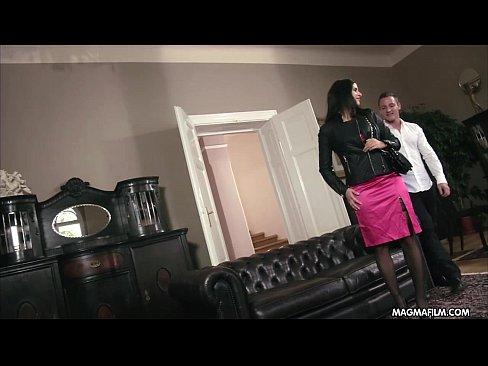 Film Porno Cu Mama Care Se Uita La Baiat Cand Face Laba Si Se Apuca Sa Il Suga