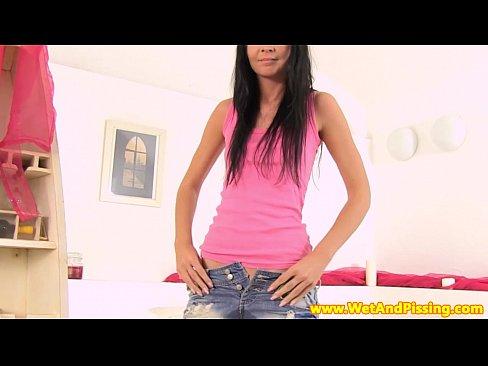 Adolescente de corpo lindo na sacanagem