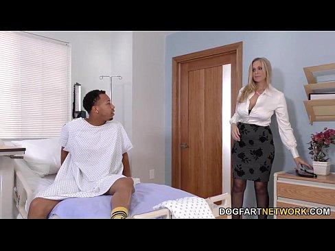 Xxxl Romanesc Cu O Asistenta Corpolenta Fututa De Pacient