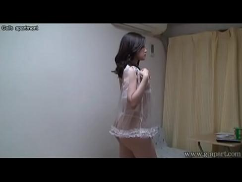 【美女盗撮】巨乳でランジェリーの美女CAの盗撮プレイ動画。