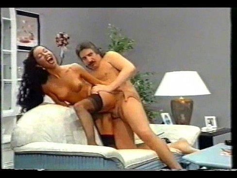 Film Porno Cu Amatori Isi Fute Iubita Pe La Spate Babeste Xxx