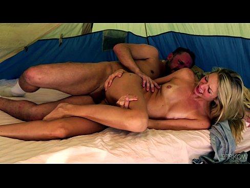 Filme Porno Pe Bune Cu Mantea Fututa In Cort