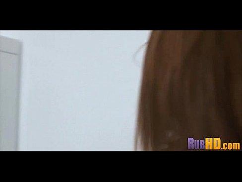 Порно видео разрыв целки японске фото 546-632