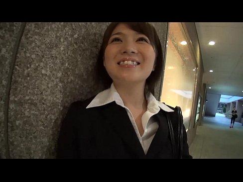 【水樹心春】美しい系女子スタッフの水樹心春がホテルで生中出しされてス...
