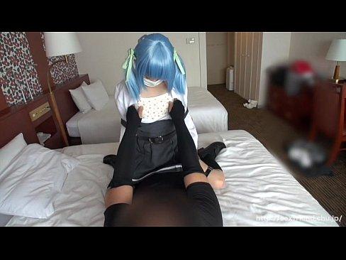 顔出しNGのアニコスレイヤーのハメ撮り動画