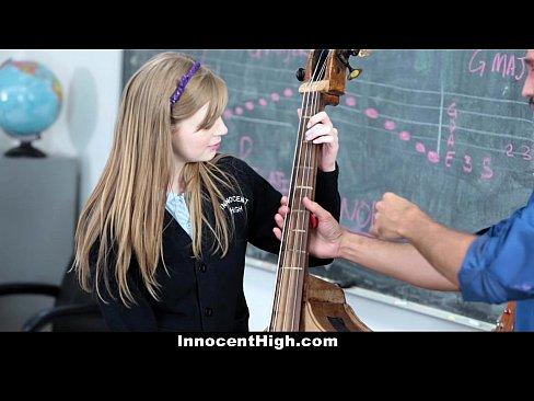 Novinha Inocente Fodendo Com Seu Professor De Música