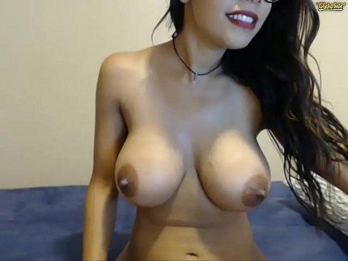 Linda Se Mostrando Na Webcam