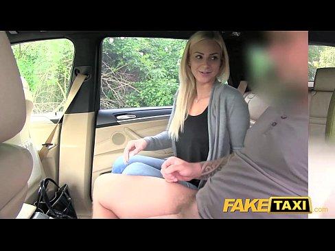 Xxx Adora Sa Se Futa In Taxiu Cu Taximetristi Violenti
