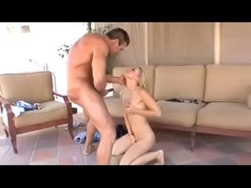 Melanie Jayne & muscleman Lee Stone - Desert sex