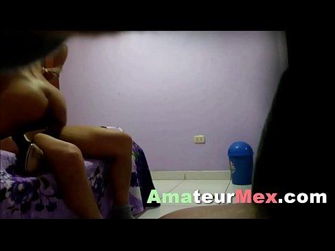 COJIENDO A UNA MODELO Y PUTA by amateurmex.com