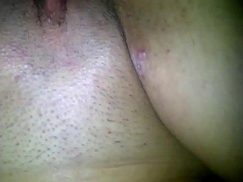 La cuquita depilada de una maestra bien caliente recibiendo buena culiada