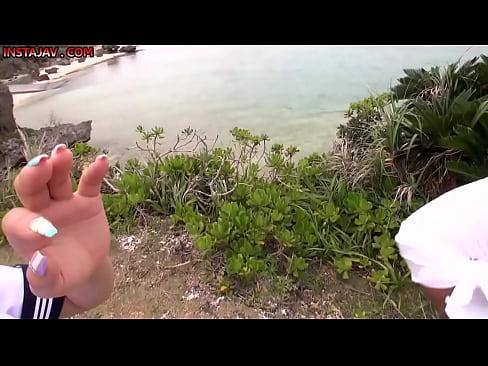 【あやみ旬果】ユニフォーム姿のあやみ旬果が収録で南の島に来ててHムー...