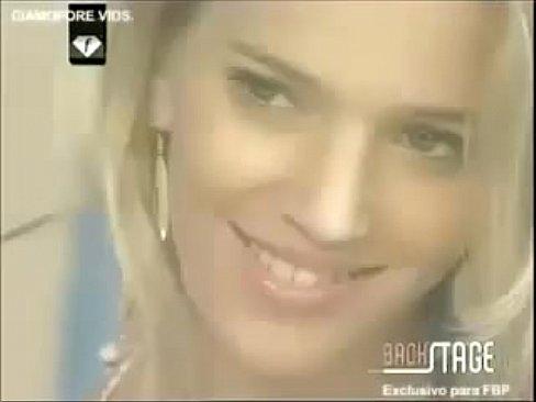 Luisana Lopilato & Zaira Nara   Deftones – Beauty school
