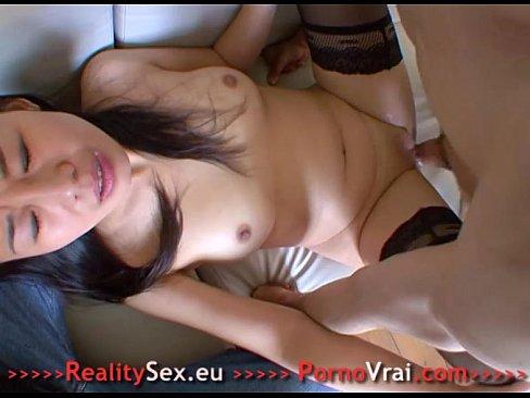 порно видео жена целуется при муже с другим
