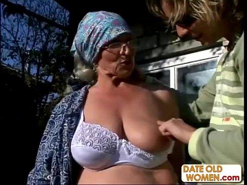 смотреть порно внук трахнул бабулю
