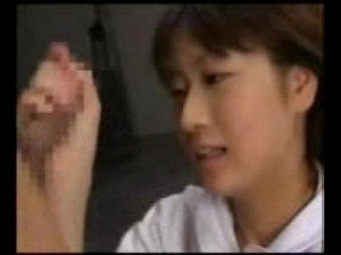 昔の深田恭子似の女子校生とイケメン男子生徒が濃厚ベロちゅー♪