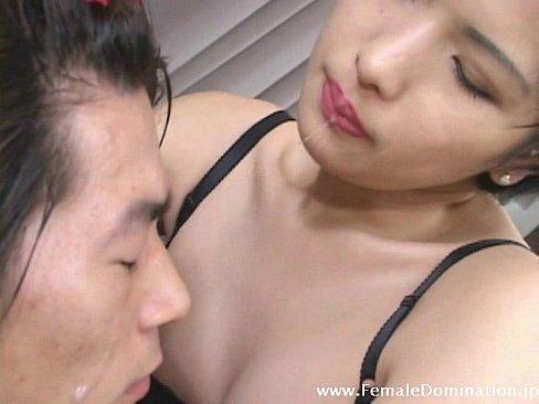 【xvideos】ドSショートカットな巨乳四十路痴女熟女の、酒井ちなみ...