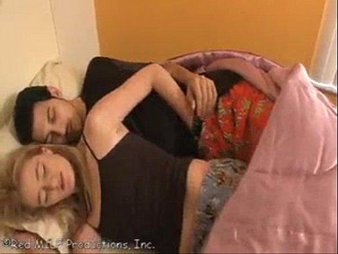 Doi Frati Dorm In Aceiasi Camera Iar La Miezul Nopti Se Trezesc Si Fac Sex