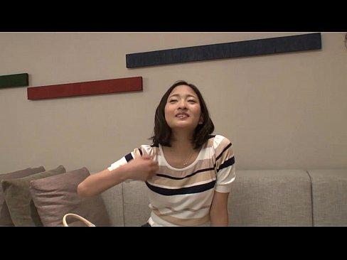 好奇心の強そうな清楚系色白美女がAV初出演でエロさ全開!【素人無料動画...