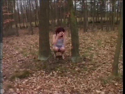 Linda Garota Vai Com Seu Namorado Acampar E Leva Pica Na Xoxotinha De Quatro