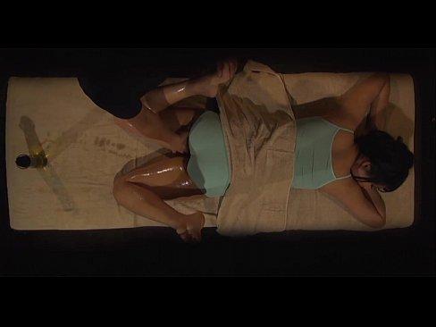 【エロエステ隠し撮り動画】巨乳人妻が癒されにエステにきて欲求不満も解消する