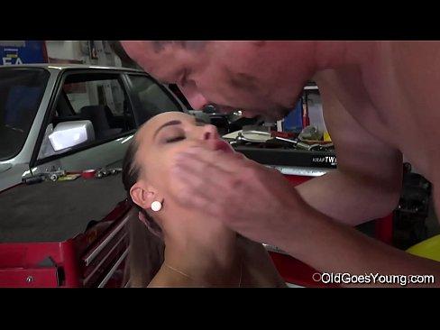 Filme Porno Loredana Chivu Face Filme Xxx Cu Un Mecanic