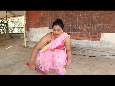 Young boy Romance With Desi Hot Fat Aunty Servant At Guest House 2016
