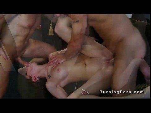 сцены пыток голых женщин