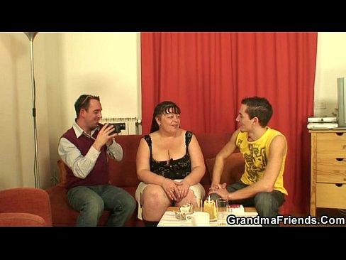 Жирная тетя Аня и два брата