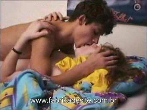Namorados novinhos fazendo sexo com amor