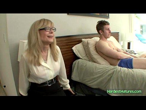 Deidra gets turned her friends son