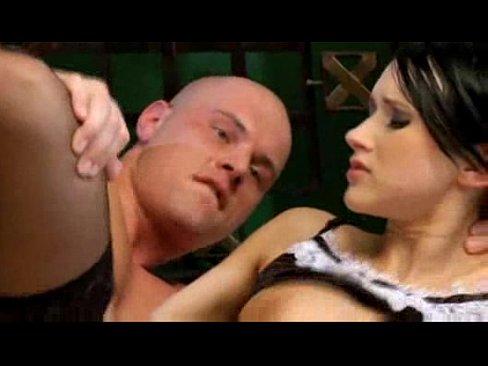 Videos de Sexo Porno pegando a empregada safada