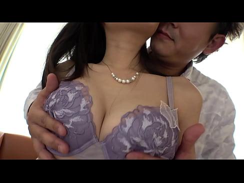 ★美人OL★美脚の美人OLのキス動画。超モデルのような超美形でスレン...