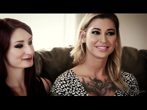 Lesbian couple in adult industry - Violet Monroe, Kleio Valentien