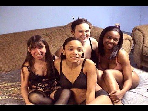 Grupo de meninas novinhas vadias na orgia