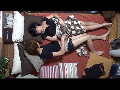 若妻動画。ナンパで知り合った若妻を自宅に呼んでSEXを隠し撮り!!
