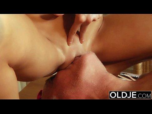 Sex Anal în Grup Xxx Cu O Tanara Ce Vrea Pula In Cur