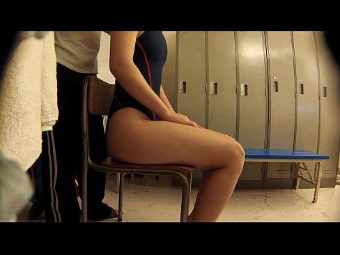 【JKロリ】更衣室で女子生徒たちに猥褻な指導を繰り返す水泳部のエロ顧問!