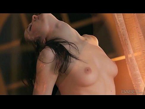 Babes - TURN ME ON (Logan Drae)