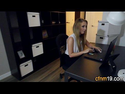 Filme Porno Romanesti Cu O Secretara Fututa La Birou